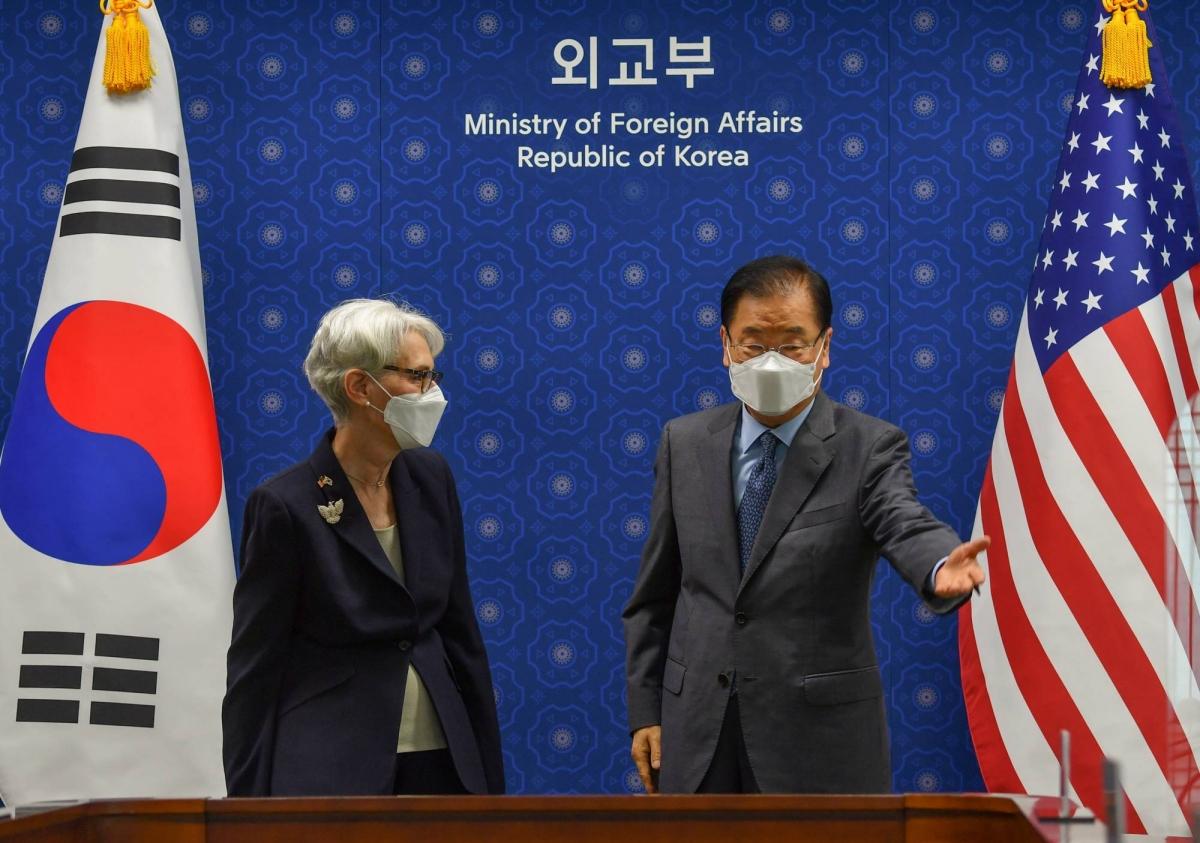 Thứ trưởng Ngoại giao Mỹ Wendy Sherman thảo luận với Hàn Quốccách thúc đẩy đàm phán phi hạt nhân hóa với Triều Tiên. (Ảnh: Reuters)