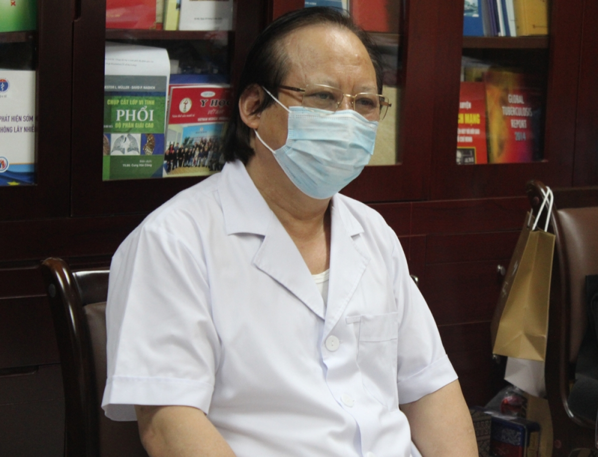 PGS.TS Nguyễn Viết Nhung, Giám đốc Bệnh viện Phổi Trung ương.