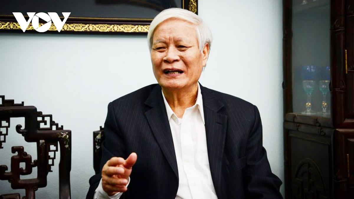 Ông Nguyễn Viết Chức - nguyên Phó Chủ nhiệm Ủy ban Văn hóa – Giáo dục – Thanh thiếu niên và Nhi đồng của Quốc hội (nay là Ủy ban Văn hóa- Giáo dục)