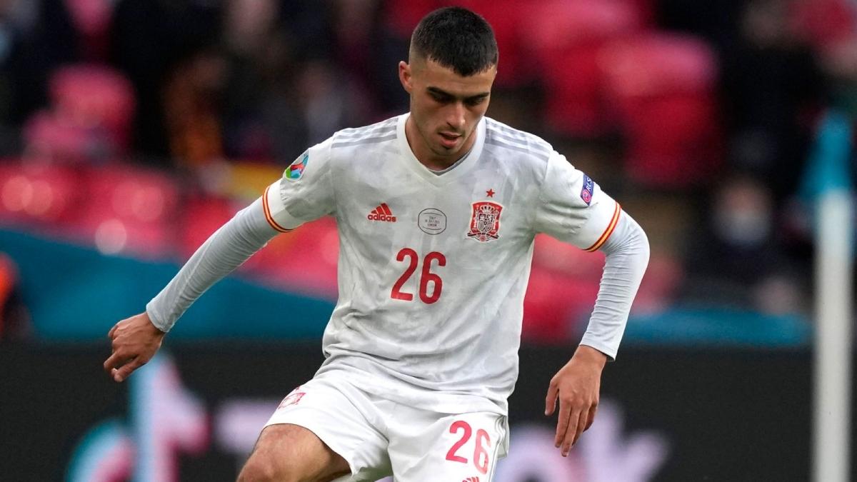 Pedri có màn trình diễn xuất sắc trong hành trình vào bán kết EURO 2021 của Tây Ban Nha. Cầu thủ trẻ của Barca đang được Liverpool quan tâm.