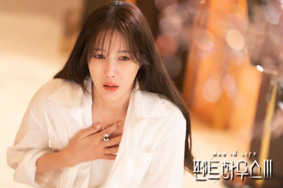 Shim Su Ryeon phát hiện ra sự thật Ju Seok Kyeong là con ruột của mình.