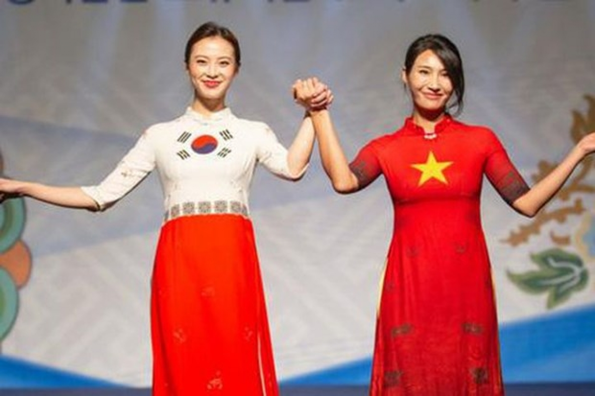 Vietnam Entrepreneurs'Dayand Ao Dai Festival event in Seoul,organised by the Vietnam Women's Union in collaboration with the Vietnamese Embassy in Korea on the occasion of Vietnamese Women's Day, October 20, 2019. (Photo: Phunuvietnam.vn)