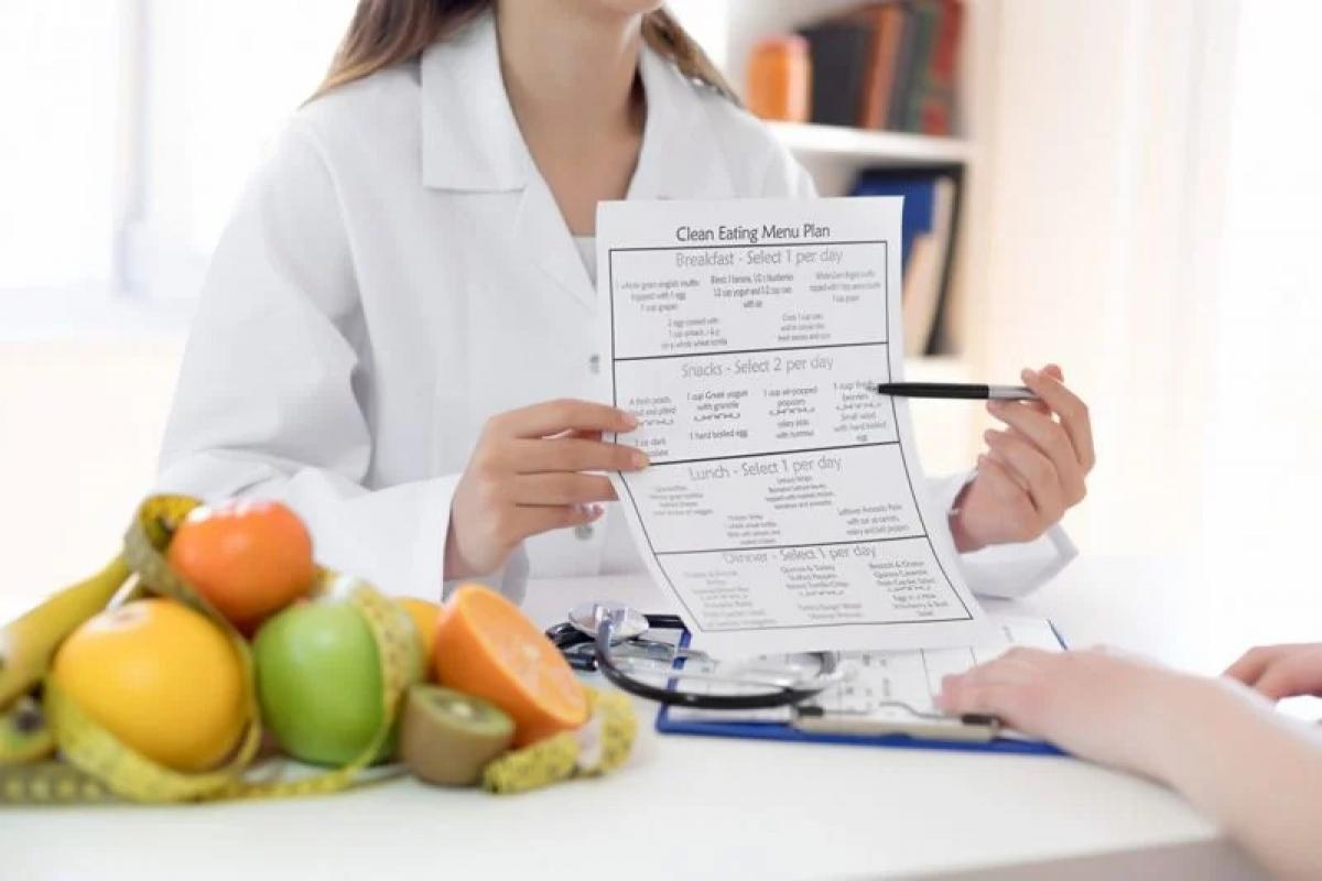 Chế độ ăn thực vật có thực sự đem lại lợi ích sức khỏe?: Các nghiên cứu dinh dưỡng cho thấy chế độ ăn thực vật có thể giảm nguy cơ mắc bệnh tim mạch, tiểu đường và một số bệnh ung thư. Chế độ ăn chay tuyệt đối giúp giảm nguy cơ huyết áp cao và tiểu đường tuýp 2. Những người ăn chế độ ăn thực vật cũng ít có nguy cơ trầm cảm hơn.