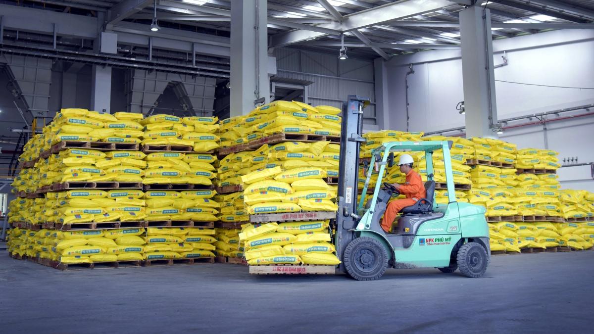 PVFCCo nhập nguyên liệu acid để sản xuất NPK Phú Mỹ