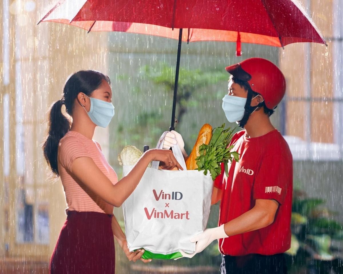 Đi chợ online trên VinID giúp người dân mua sắm an toàn, tiết kiệm trong bối cảnh dịch bệnh.