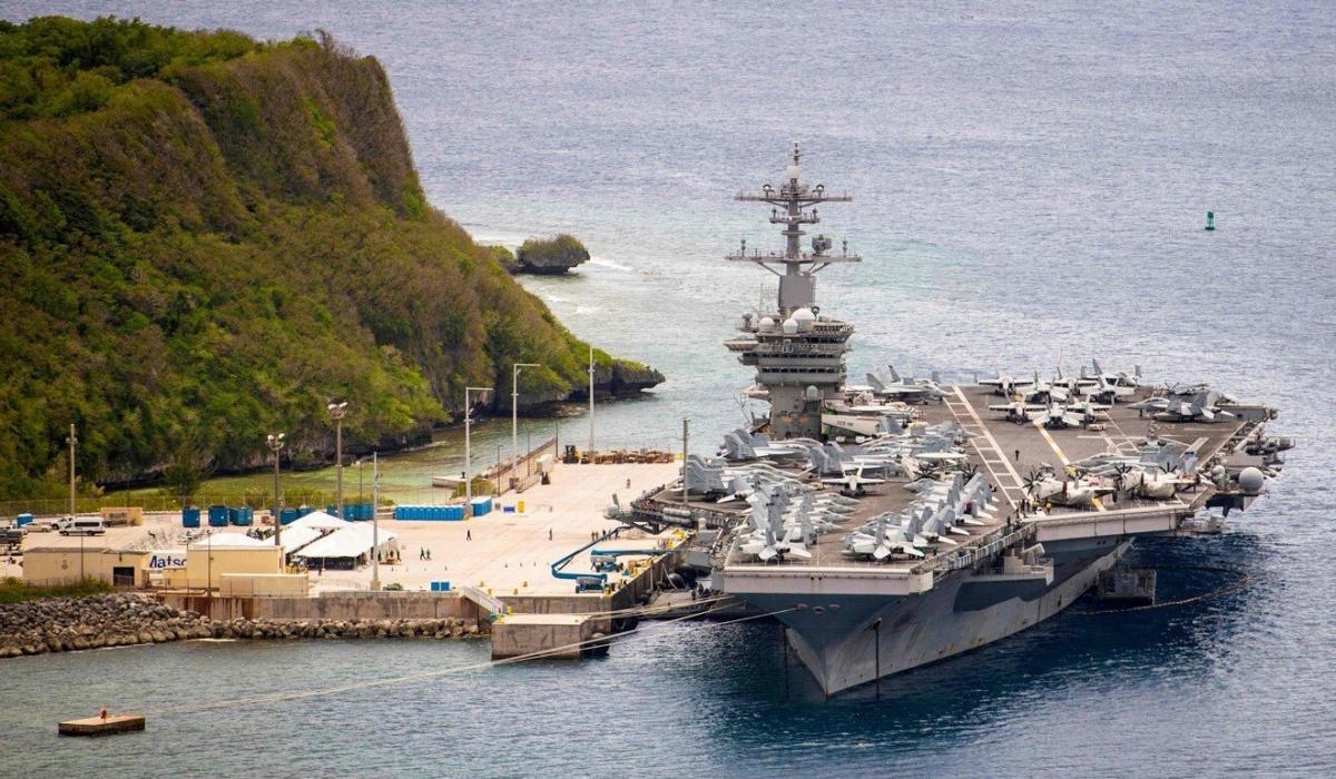 USS Theodore Roosevelt là một trong những tàu sân bay chạy năng lượng hạt nhân của Mỹ. Ảnh: AFP
