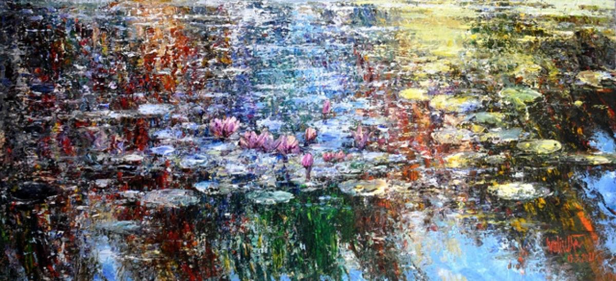 """Bức tranh """"Ban mai"""" của họa sĩ Ngụy Đình Hà miêu tả vẻ đẹp tinh khiết của hồ nước buổi sáng sớm, được bán với giá 40 triệu đồng."""