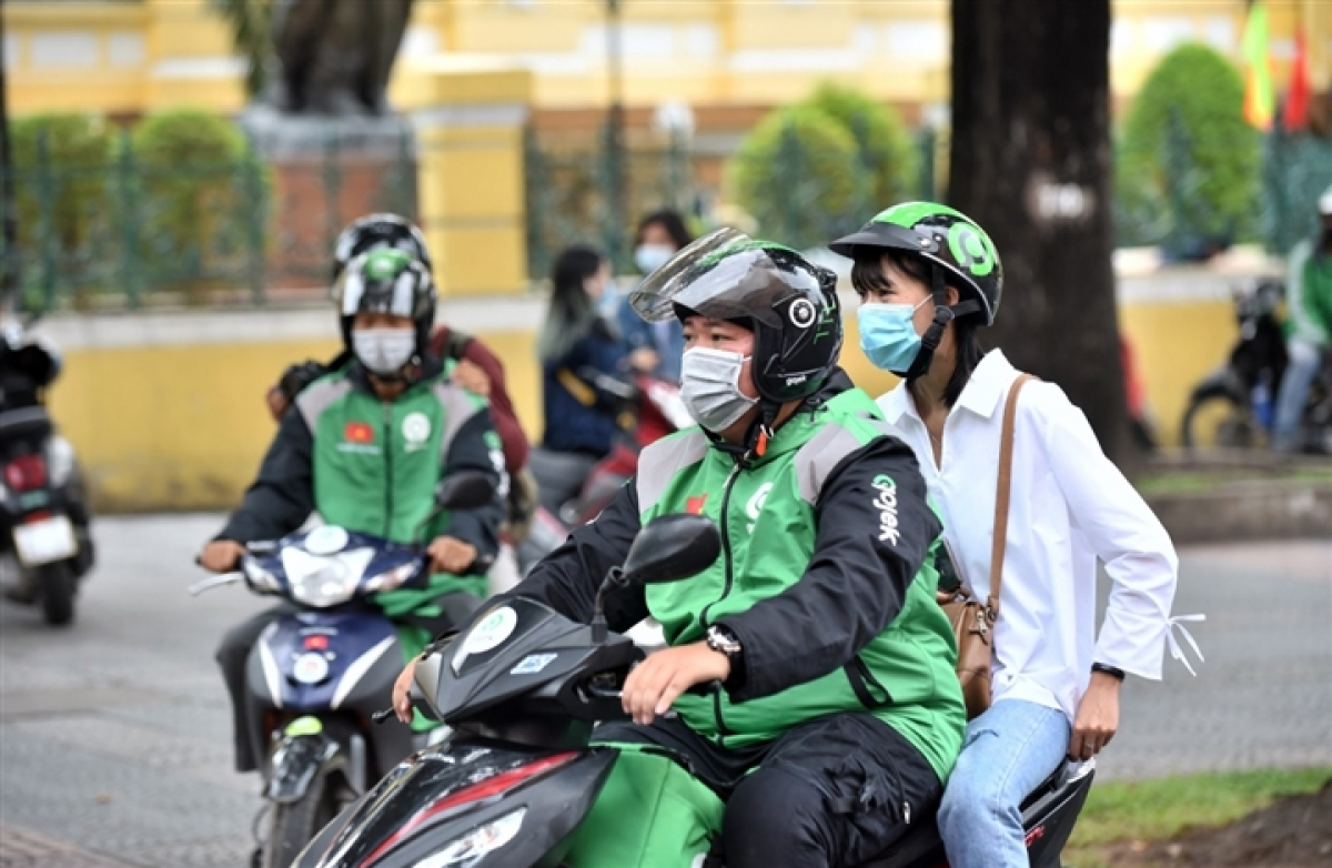 Hà Nội tạm dừng hoạt động đối với xe mô tô 2 bánh hoạt động kinh doanh vận tải hành khách và hàng hóa.