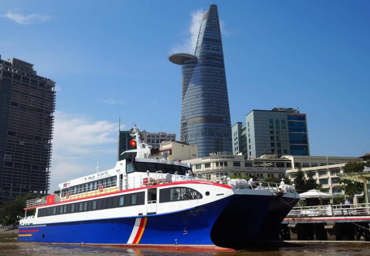 Những chiếc tàu cao tốc hàng ngày chở khách du lịch từ TP HCM đi Vũng Tàu sẽ được chuyển đổi để chở rau, củ từ các tỉnh miền Tây về phục vụ người dân TP HCM.