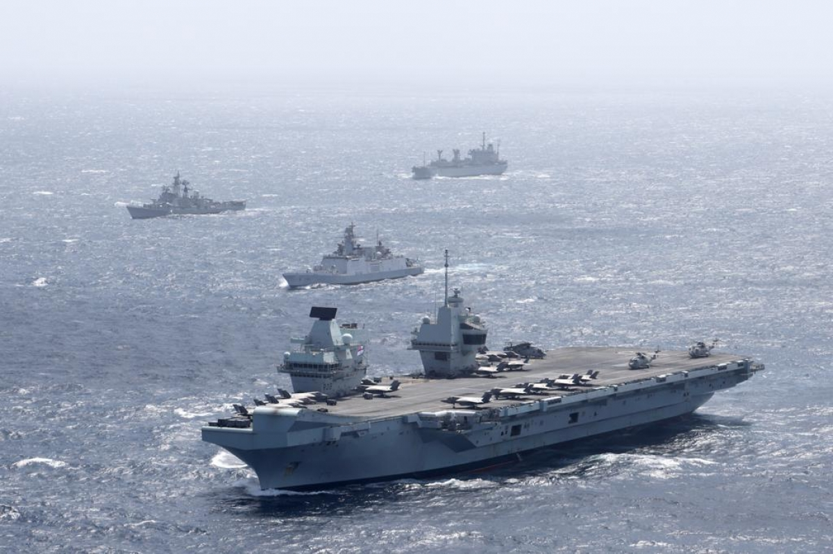 Tàu sân bay HMS Queen Elizabeth ở Vịnh Bengal. Ảnh: Hải quân Hoàng gia Anh