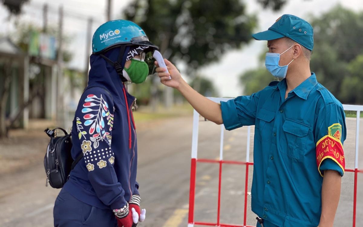 (12 giờ qua, Việt Nam có thêm 2.764 ca mắc COVID-19. Ảnh: Thắm Nguyễn)
