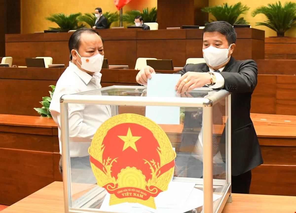 Đại biểu Quốc hội bỏ phiếu kiện toàn nhân sự tại Kỳ họp thứ nhất