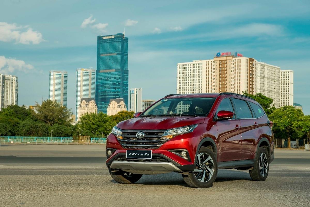 Mẫu SUV 7 chỗ của Toyota được nâng cấp hệ thống giải trí.