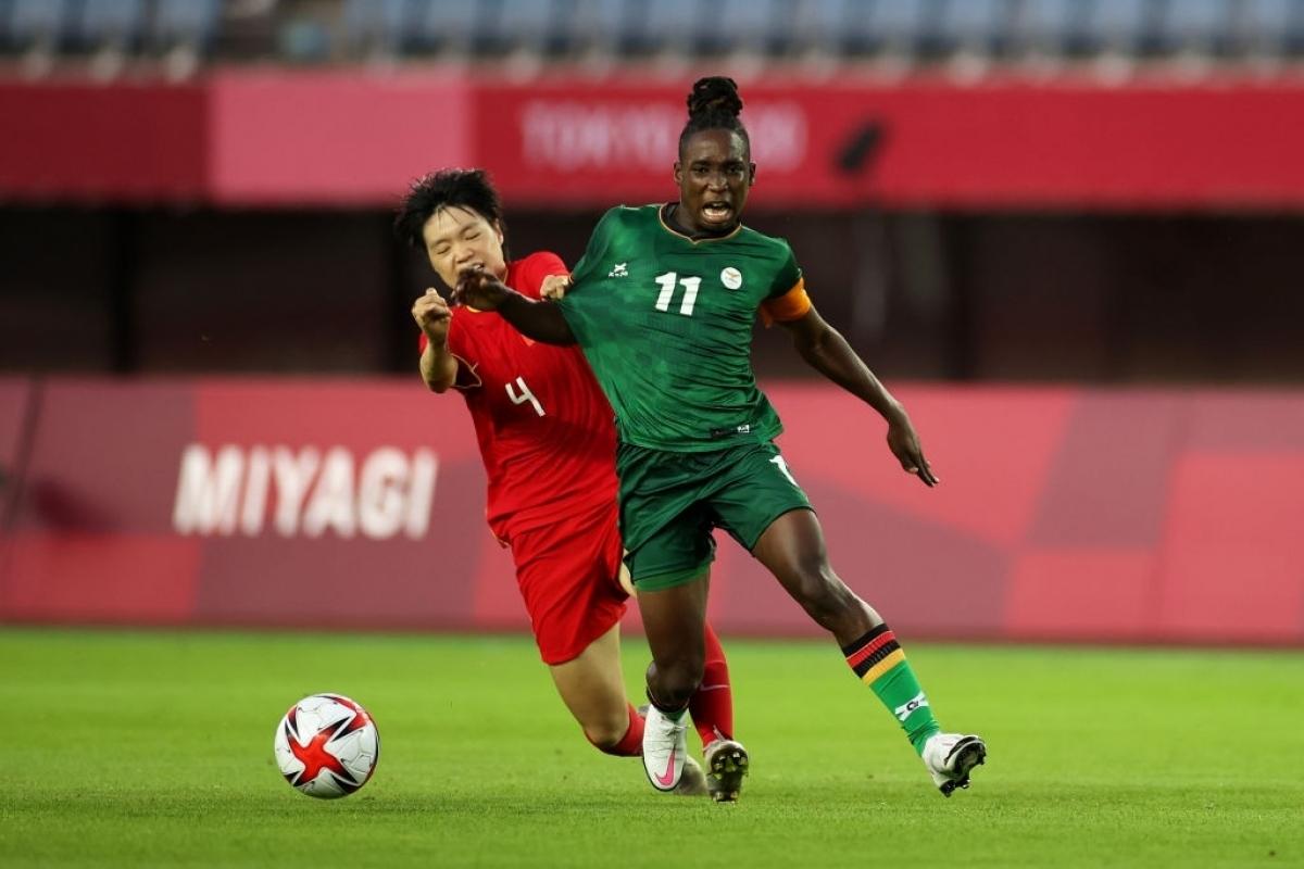 Trung Quốc thoát thua Zambia. (Ảnh: Getty)