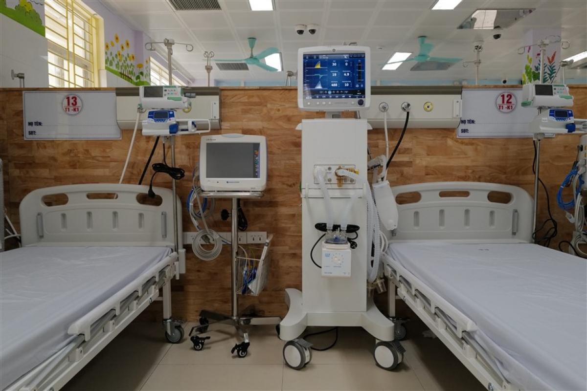 Trung tâm Hồi sức tích cực điều trị bệnh nhân Covid-19 nặng tại Bắc Ninh