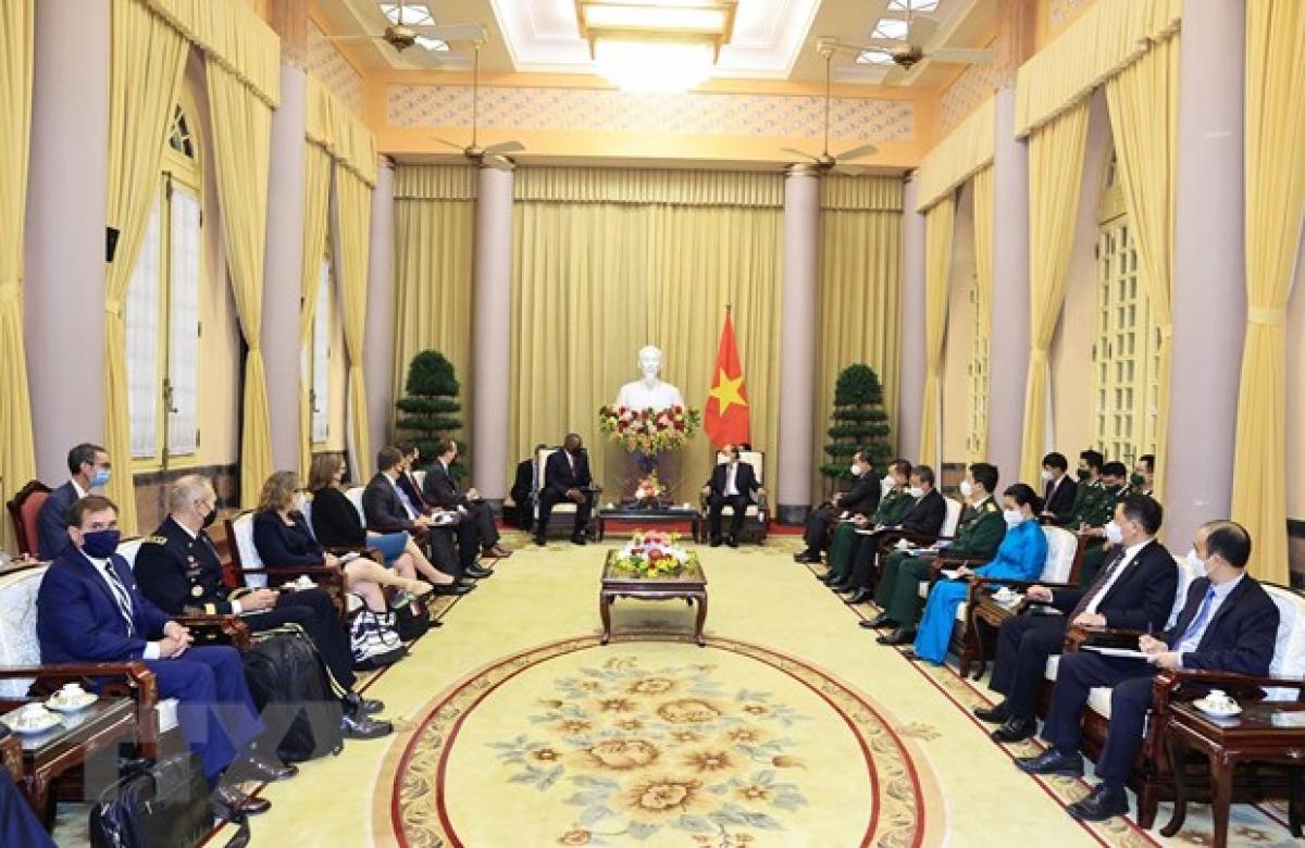 Chủ tịch nước Nguyễn Xuân Phúc tiếpBộ trưởng Quốc phòng Hợp chúng quốc Hoa KỳLloyd Austin.