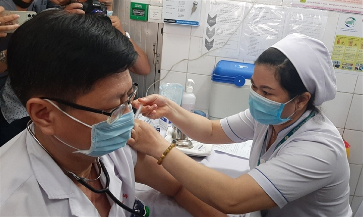 More people in HCM City will get the jab in coming days.