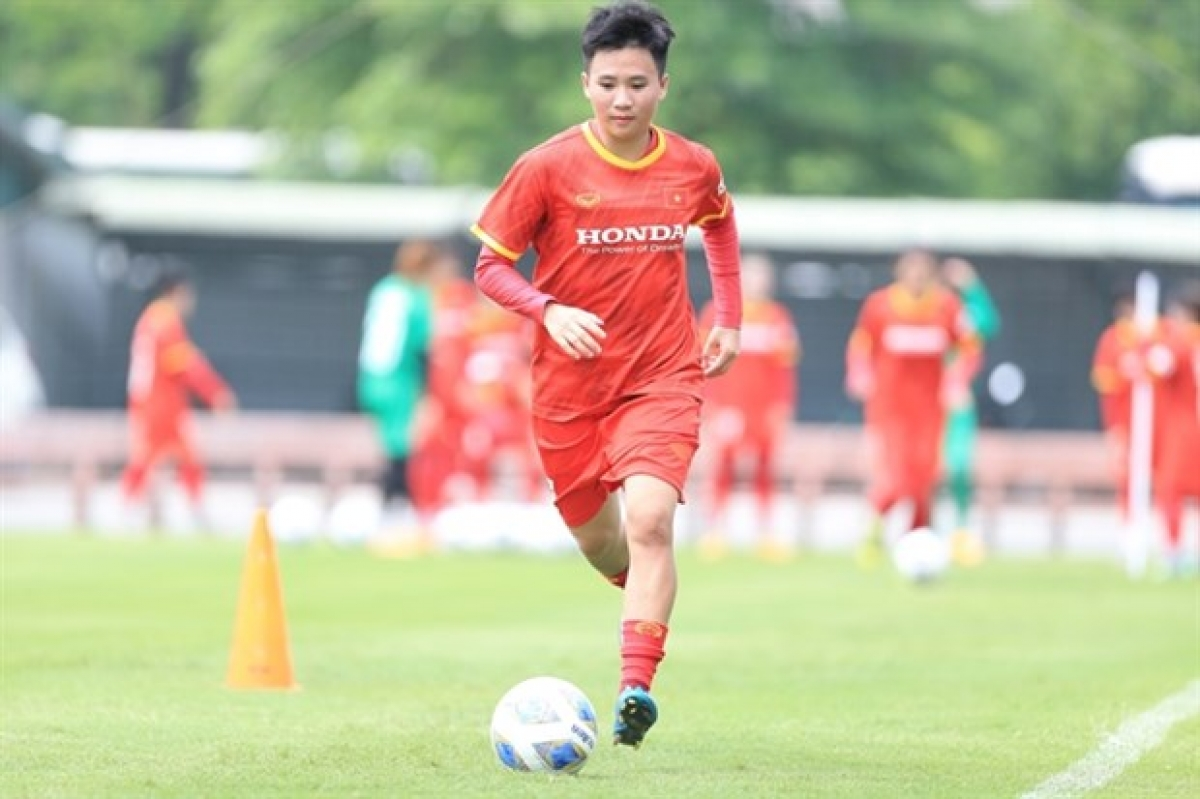 Deputy captain Nguyen Thi Tuyet Dung says the door is open for Vietnamto qualify for the 2022 Asian Cup but they still need to focus to win every match in the qualification tournament in September. (Photo courtesy of VFF)