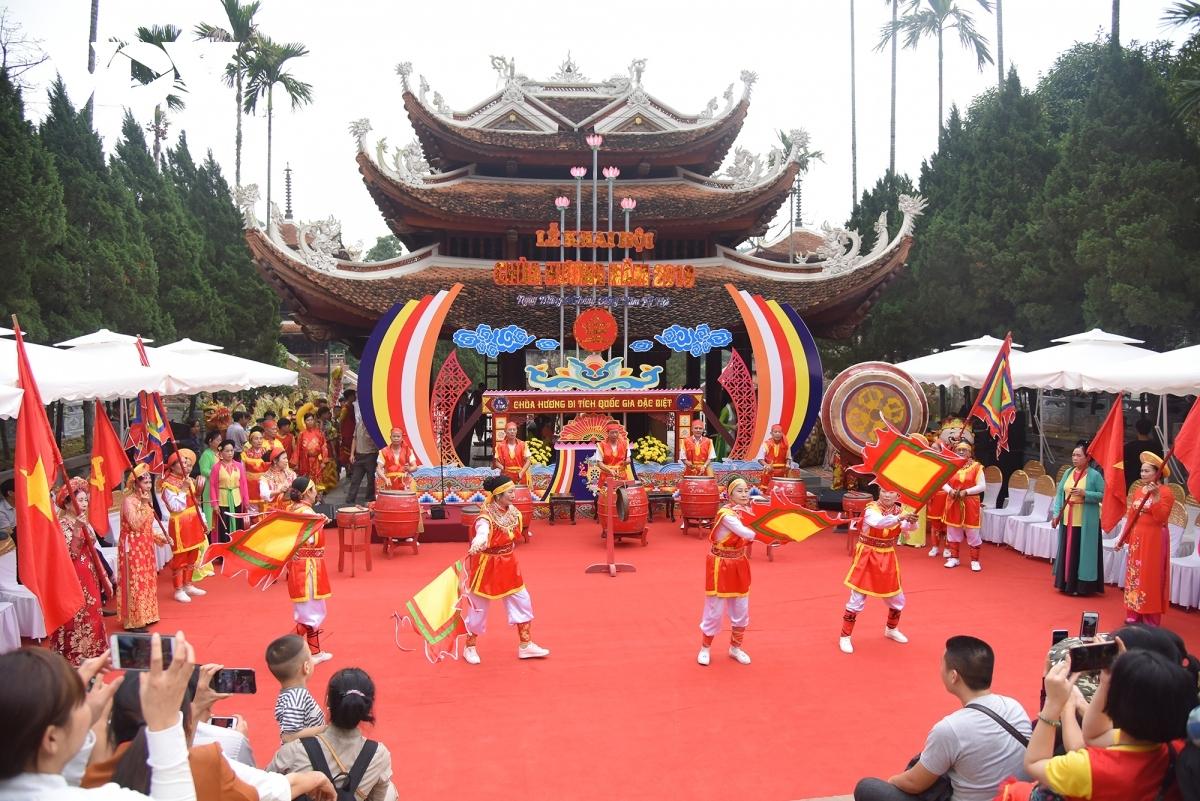 Lễ hội Chùa Hương.