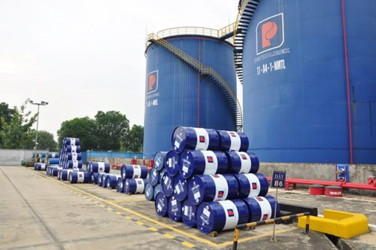 Bình quân giá xăng dầu thế giới thời gian qua liên tục tăng khiến giá xăng, dầu trong nước liên tục tăng trong 3 kỳ điều hành gần đây. Ảnh minh họa: KT