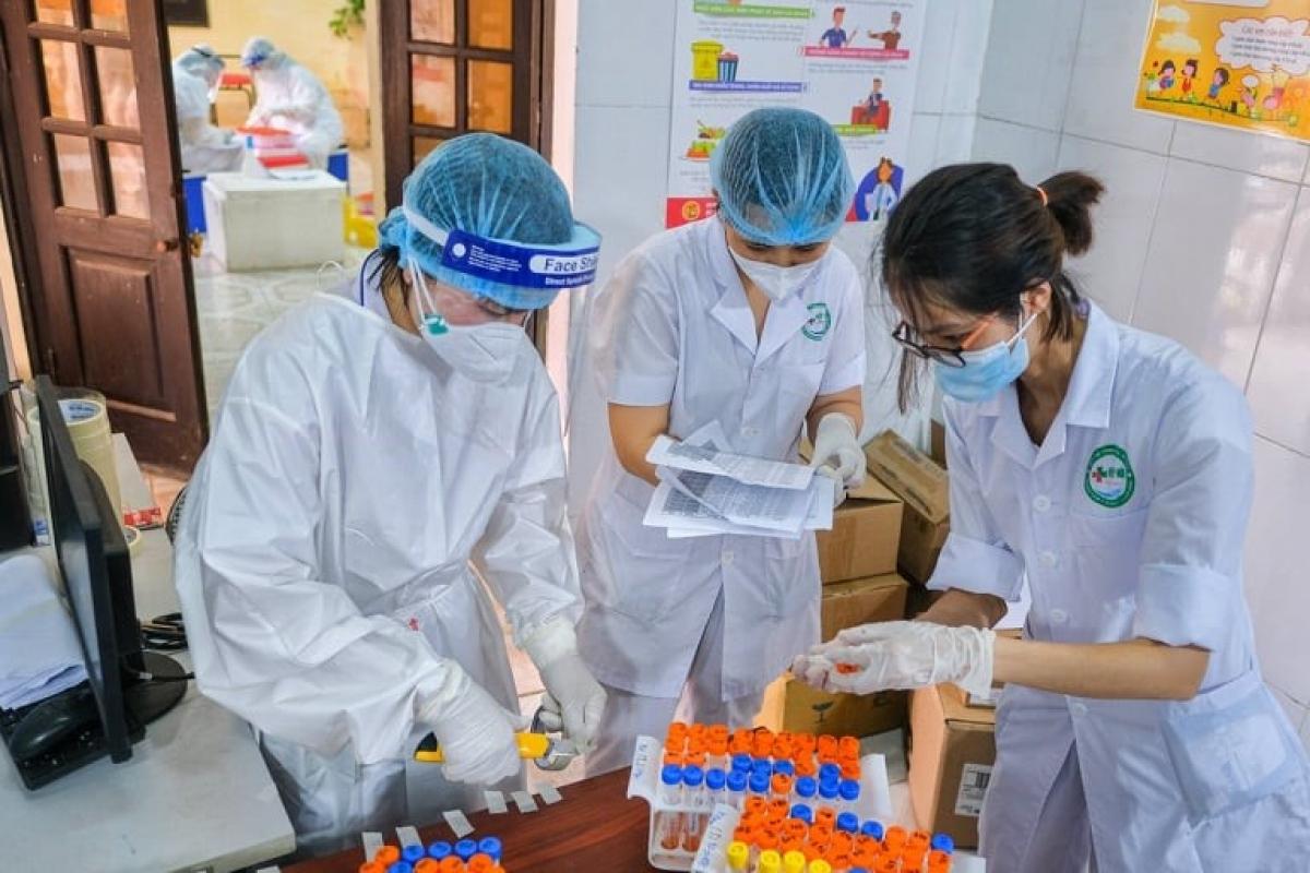 Hà Nội ghi nhận thêm 10 trường hợp dương tính với SARS-CoV-2.