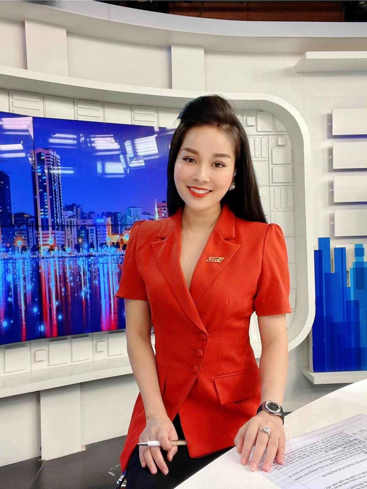 Hiện tại, Minh Hương là biên tập viên truyền hình.