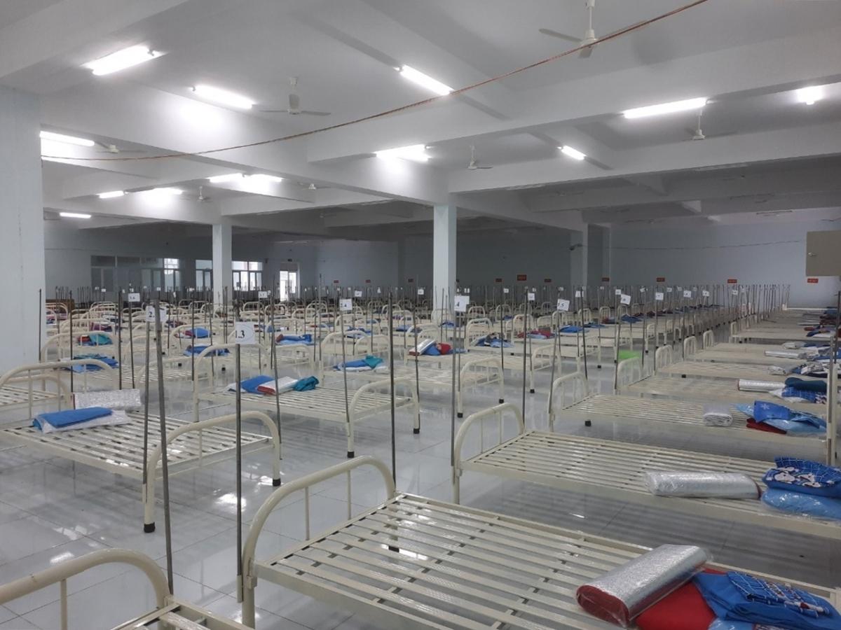 1.000 giường bệnh tại bệnh viện dã chiến số 05 ở tỉnh Tiền Giang vừa đưa vào phục vụ bệnh nhân COVID-19.