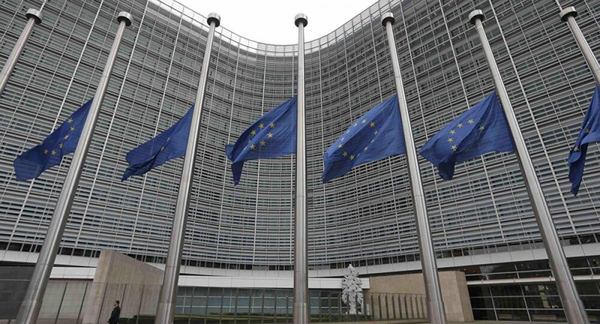 EU phân bổ khoản tiền đầu tiên từ quỹ phục hồi 750 tỷ euro cho các nước thành viên. Ảnh minh họa: AP