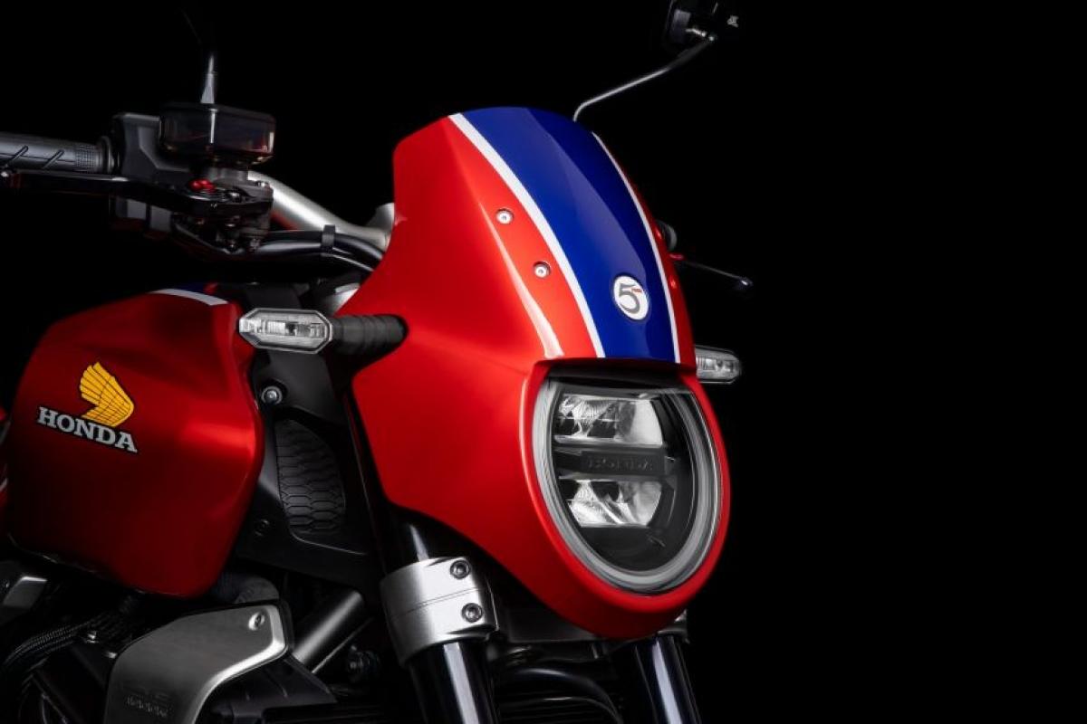 CB1000R 5Four là sản phẩm chí tuệ của Guy Willison, nhà thiết kế và chế tạo xe máy, Giám đốc điều hành của 5Four Motorcycle và được biết đến nhiều nhất với những lần xuất hiện trên truyền hình The Motorbike Show, Fix It, Flog It.