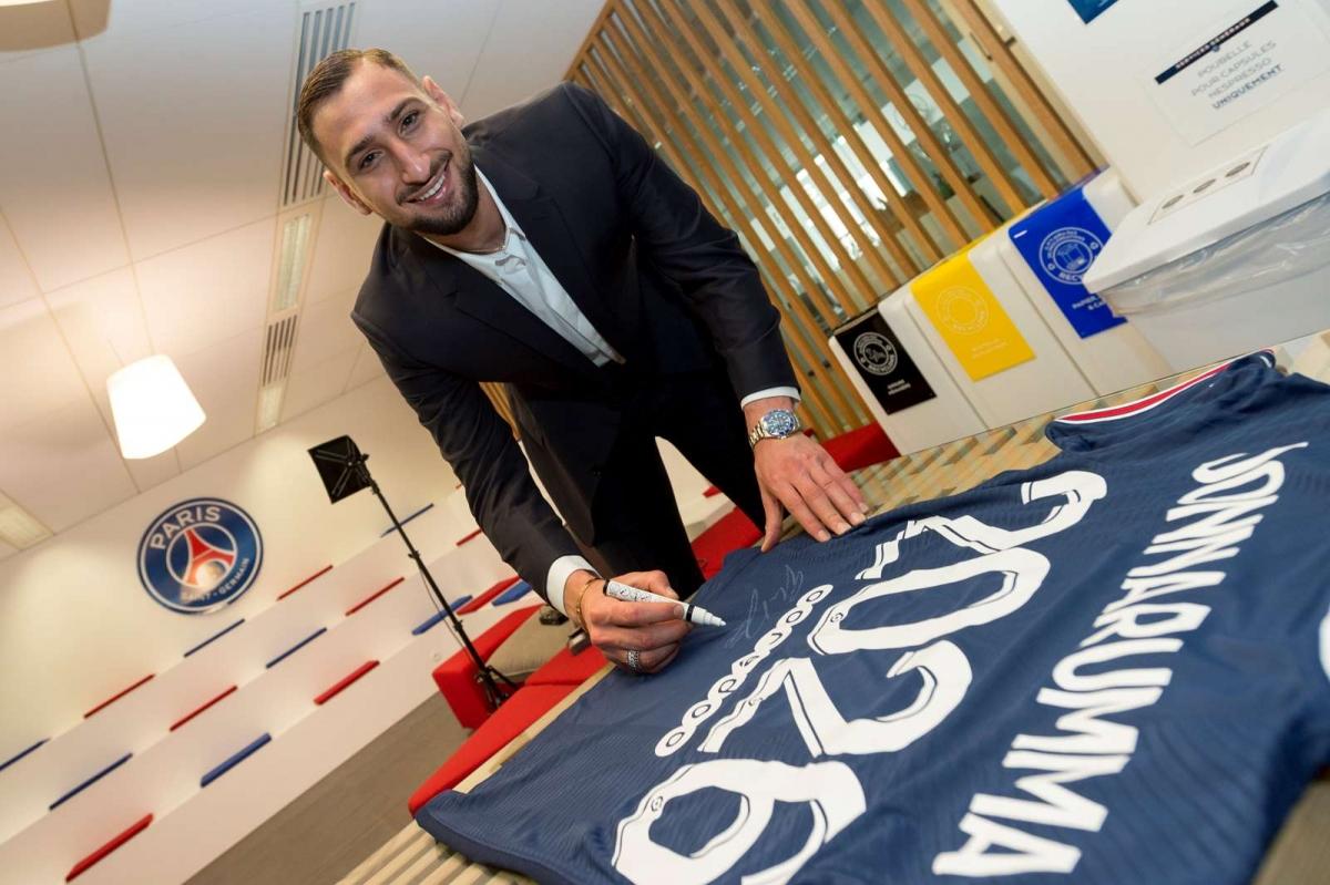 9. Gianluigi Donnarumma từ AC Milan sang PSG theo dạng chuyển nhượng tự do