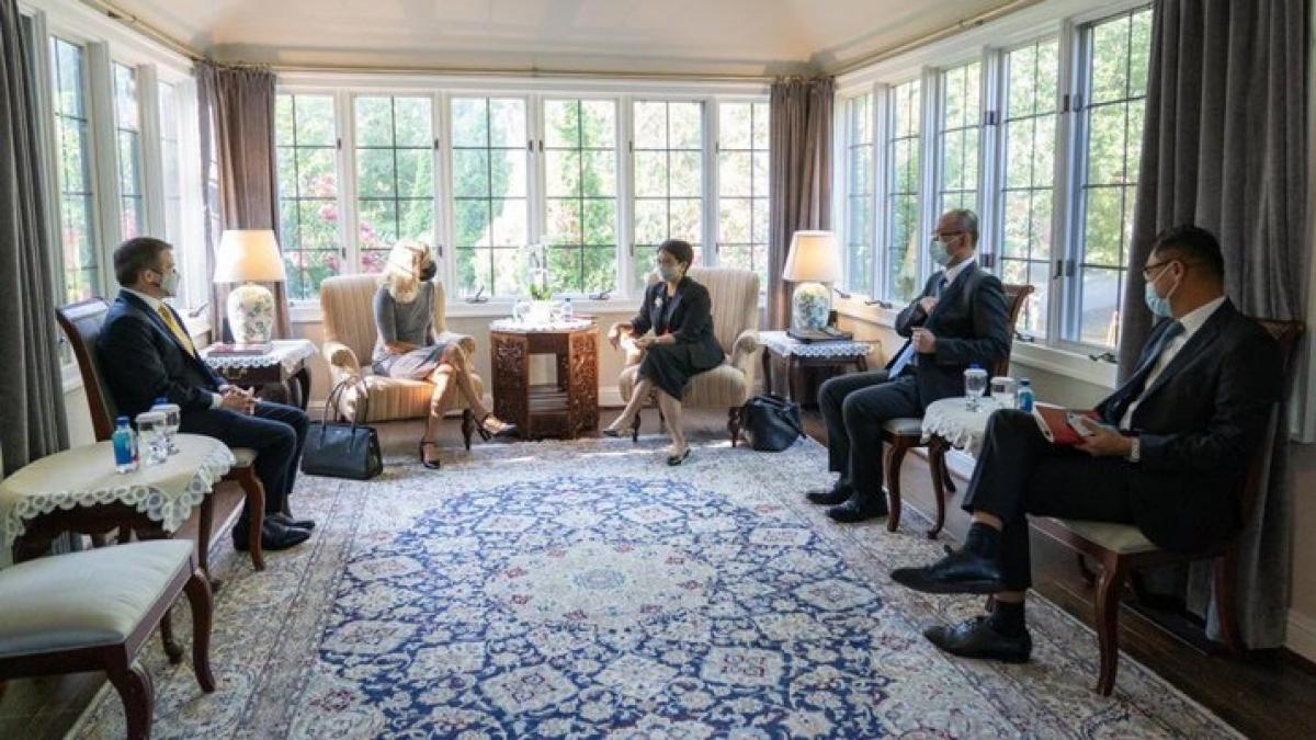 Ngoại trưởng Indonesia gặp các đối tác ngành dược phẩm và y tế của Mỹ. Nguồn: Twitter Ngoại trưởng Retno Marsudi