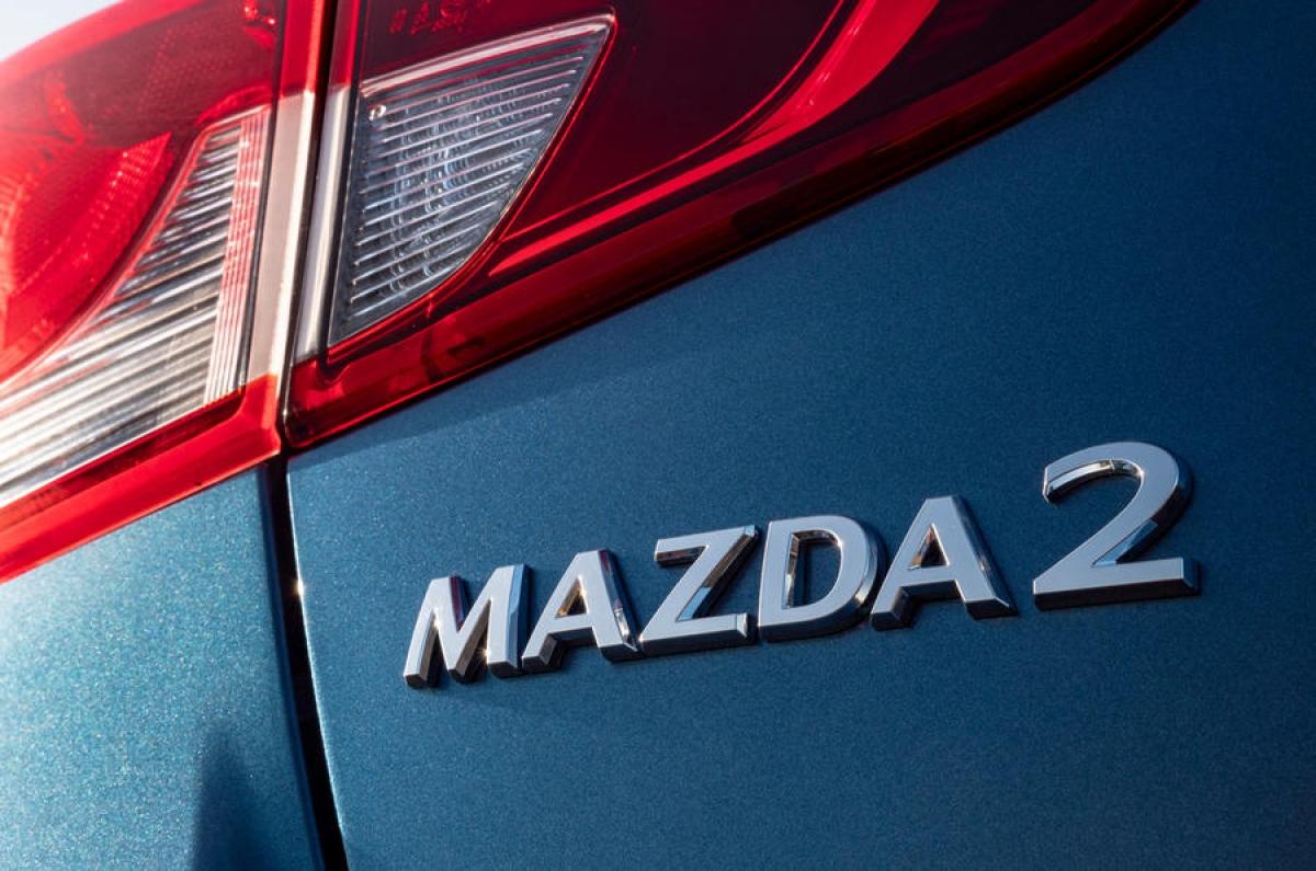 """Giám đốc của Mazda UK – Jeremy Thomson cho biết: """"Chiếc Mazda2 hiện đang hoạt động hiệu quả hơn bao giờ hết nhờ những trang bị chất lượng trên tất cả các mẫu xe, chúng tôi đã có một ứng cử viên đặc biệt và cao cấp trong một phân khúc tương đối cạnh tranh trên thị trường xe của Anh""""."""