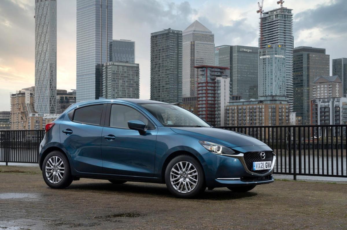 Mazda cho biết rằng, tất cả các phiên bản động cơ 1.5 L của hãng đã được cải thiện hiệu suất với tỷ số số nén và ống xả được nâng cấp, giúp làm giảm lượng khí thải CO2. Đồng thời, động cơ xăng Skyactive-G 1.5 L được điều chỉnh để có 3 mức công suất khác nhau (74, 89, 113 mã lực), tùy phiên bản.