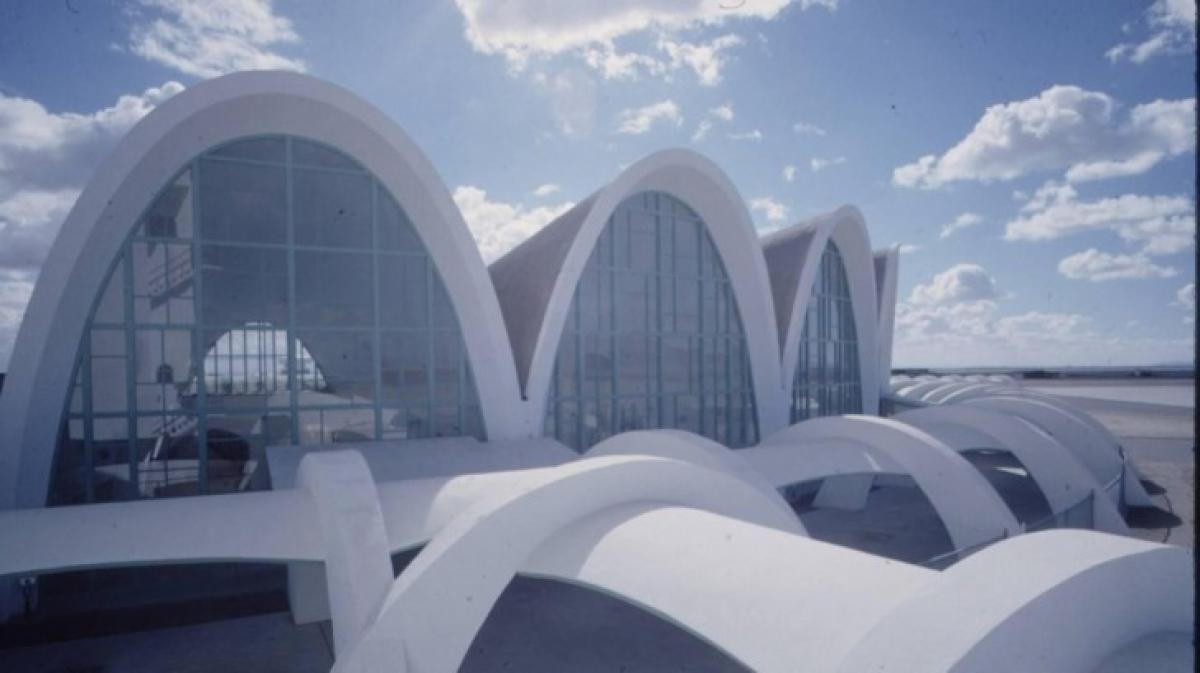 Sân bay Kandahar hiện đại được xây dựng vào năm 1960.