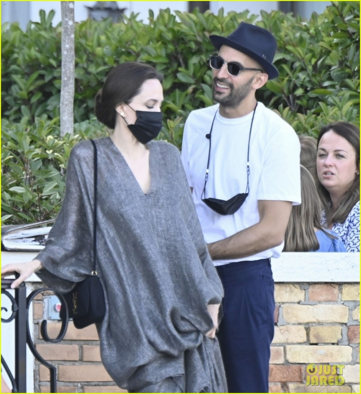 """Angelina đã đấu tranh đến cùng để giành được quyền nuôi con, tin rằng đó là điều tốt nhất cho các con và không ngại tiếp tục """"chiến đấu"""" với Brad ở tòa trong thời gian tới."""