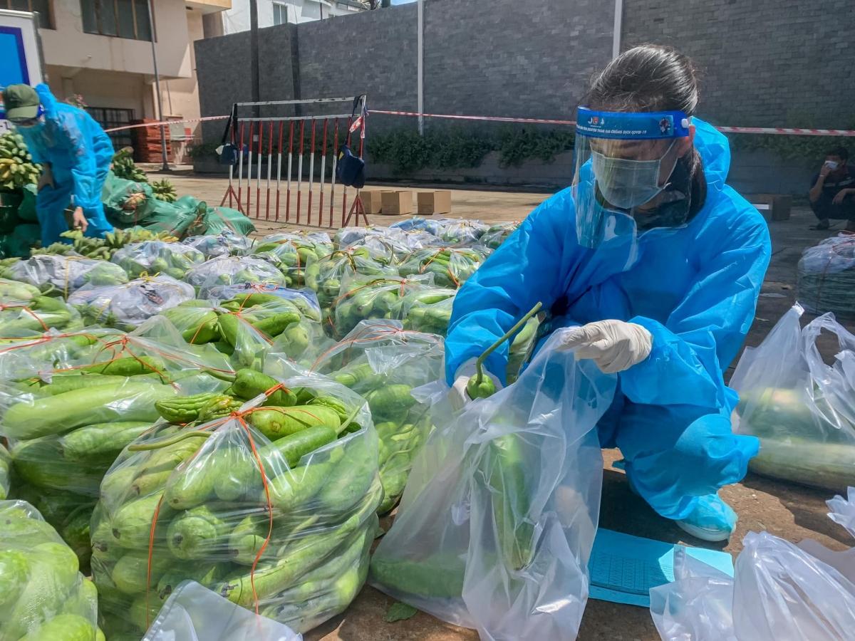 """Kết quả, dự án """"10 tấn thực phẩm 0 đồng"""" đợt 5 đã vận động, quyên góp từ các mạnh thường quân số tiền 408.561.500 vnđ và thêm 64,8 tấn thực phẩm trao tặng."""