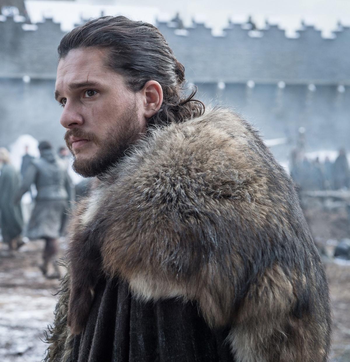 """Áp lực từ vai diễn """"Jon Snow"""" trong loạt phim đình đám """"Game of thrones"""" đã khiến Harington mắc bệnh trầm cảm và chứng nghiện rượu."""