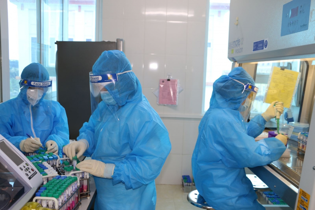 Kết quả xét nghiệm xác định thêm 7 trường hợp tại Hà Tĩnh dương tính với SARS-CoV-2.