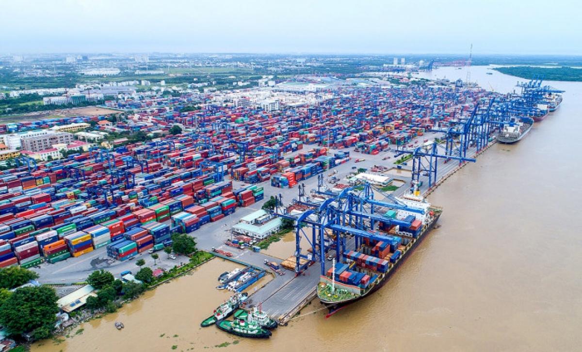 Một số nhà máy, xí nghiệp phải thu hẹp hoặc dừng sản xuất do giãn cách khiến lượng hàng nhập tồn ở Cảng Cát Lái gia tăng Ảnh: Cat Lai Port.