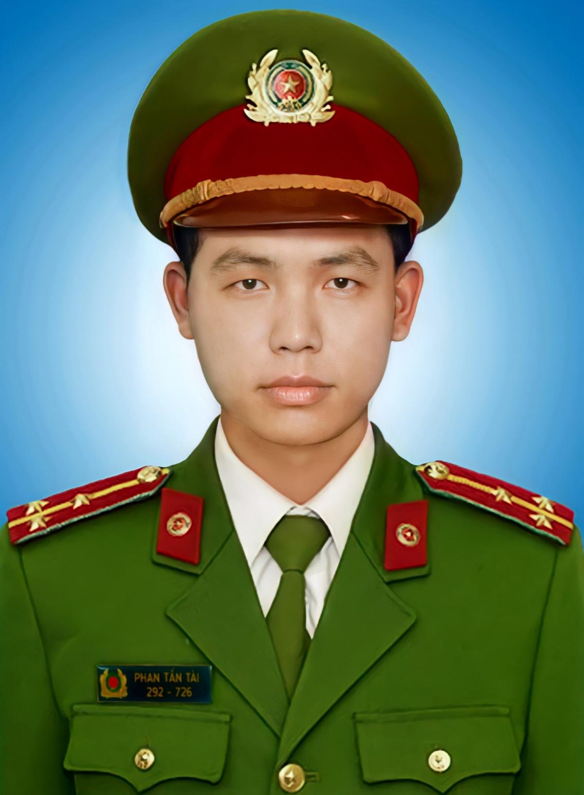 Chiến sỹ công an Phan Tấn Tài