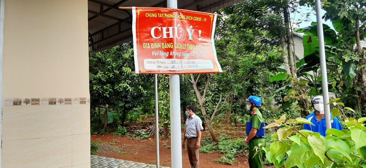 Công tác kiểm tra, giám sát các trường hợp cách ly tại nhà được các cơ quan chức năng tại Đắk Lắk thực hiện thường xuyên.