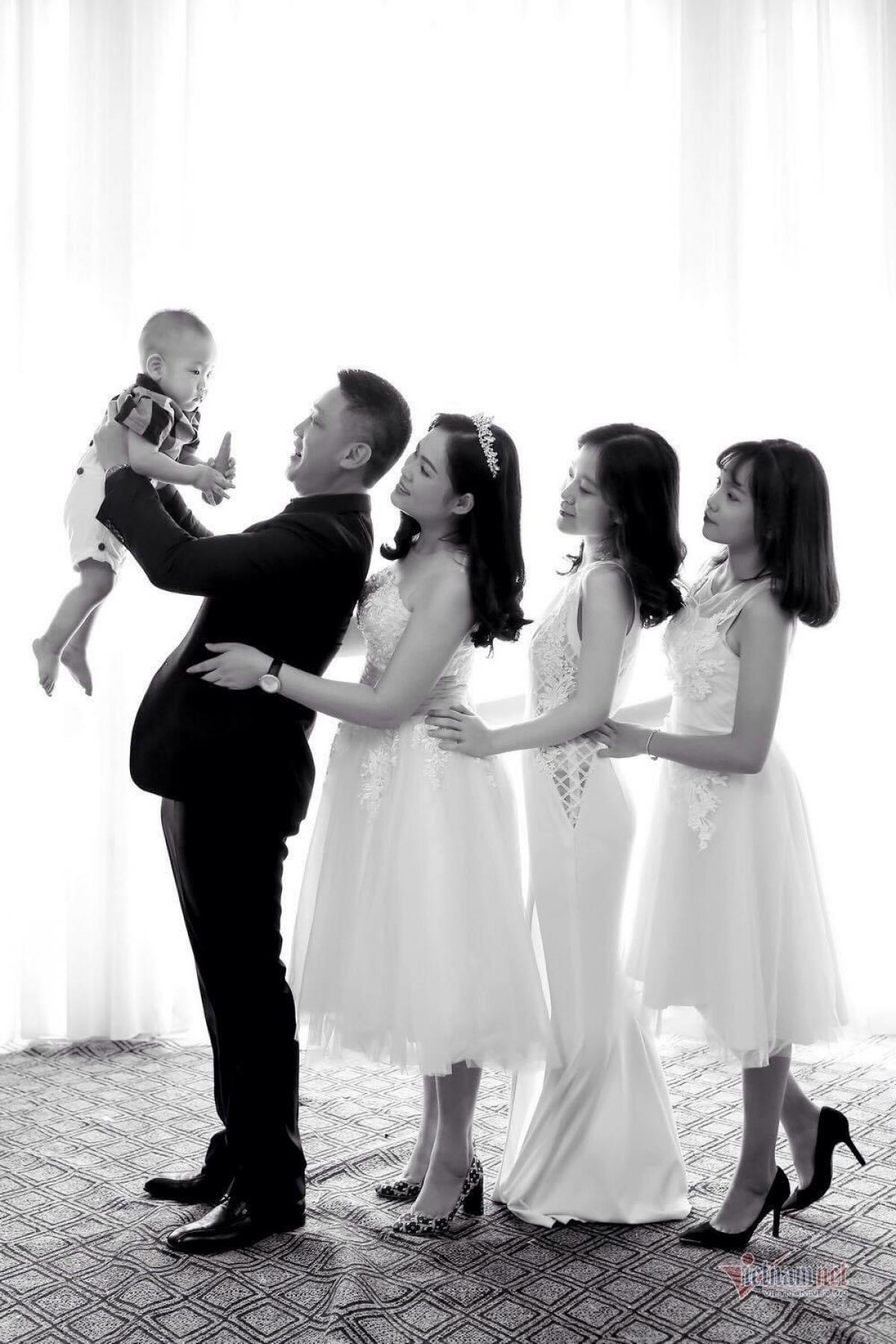 5 thành viên trong gia đình NSƯT Hồ Phong.