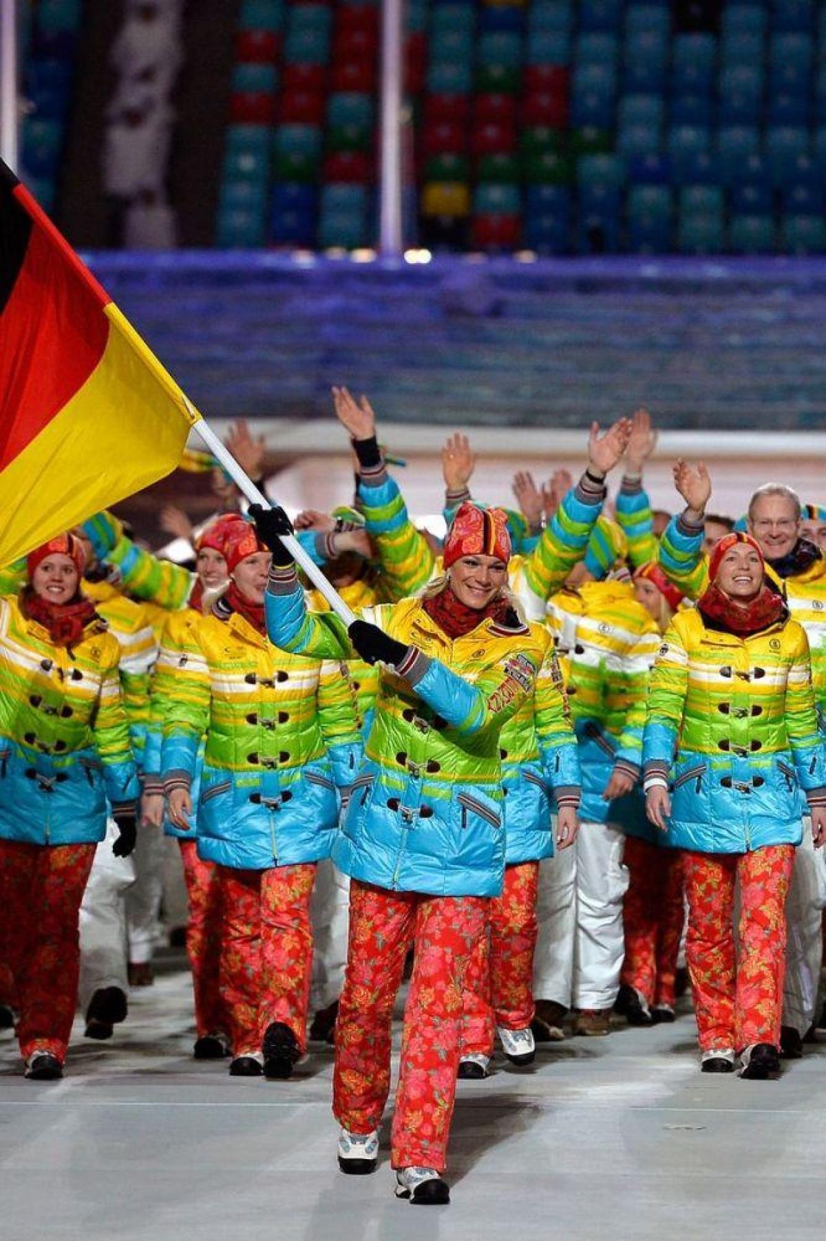 Trang phục ủng hộ cộng đồng LGBT của đội tuyển Đức.