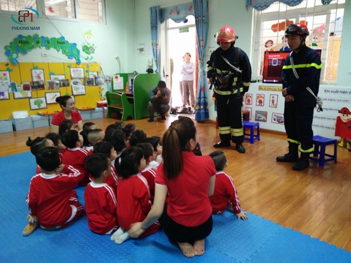 Bộ GD-ĐT vừa ban hành dự thảo thông tư về việc dạy kiến thức kỹ năng về phòng cháy chữa cháy, cứu hộ cứu nạn trong nhà trường. (Ảnh minh họa, nguồn: KT)