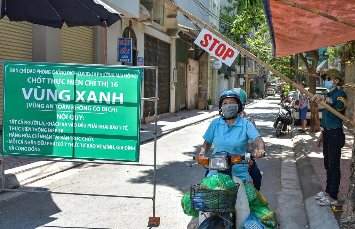 """Tại phường Mai Động (quận Hoàng Mai, Hà Nội) đã có gần 30 """"vùng xanh"""" – vùng không có dịch Covid-19 đã được thiết lập tại các khu dân cư, ngõ xóm."""