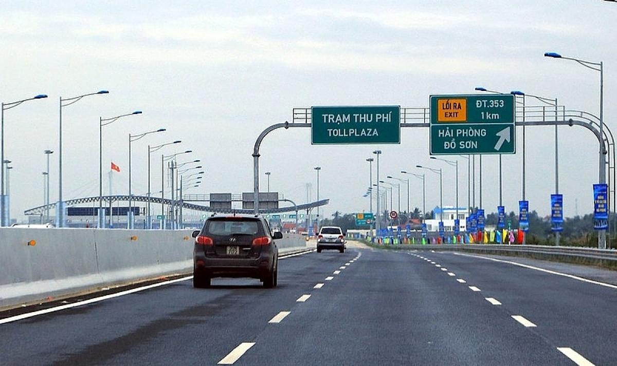 Nhiều dự án BOT giao thông đang phải dừng, giảm phí cho xe ô tô do ảnh hưởng dịch Covid-19.