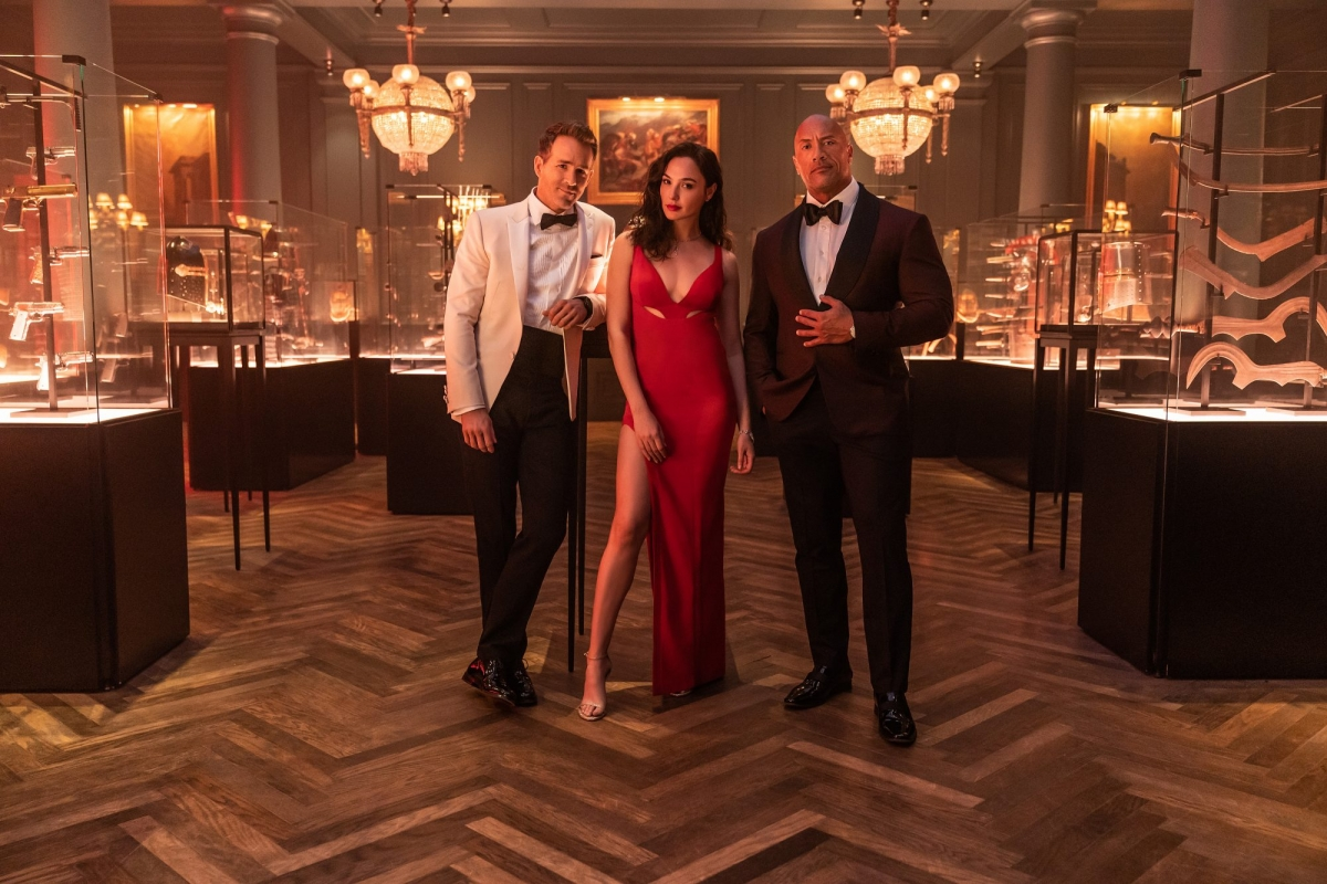 """Nhà sản xuất tiết lộ """"Red Notice"""" là bộ phim lớn nhất Netflix từng thực  hiện   VOV.VN"""