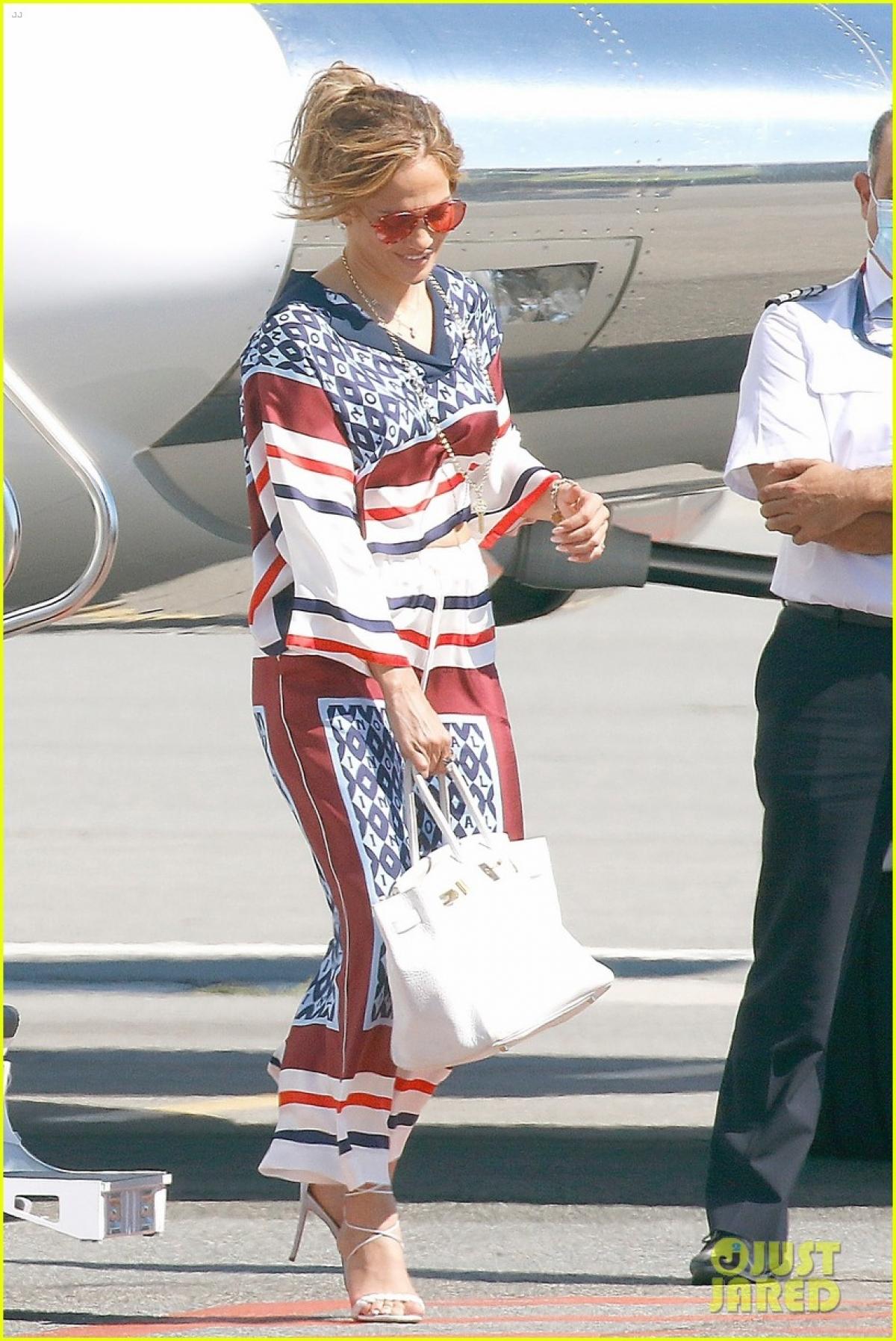 Jennifer Lopez đang tận hưởng chuỗi ngày hạnh phúc kể từ sau khi công khai tái hợp Ben Affleck.