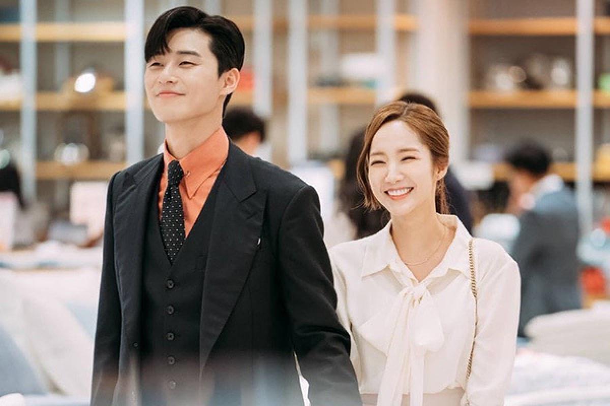 """""""Thư ký Kim sao thế?"""" là tác phẩm truyền hình đưa Park Seo Joon trở thành """"ông hoàng rom-com""""của màn ảnh Hàn Quốc."""