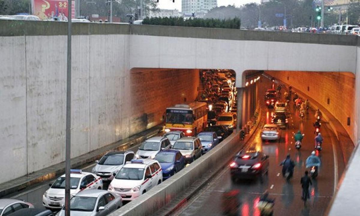 Cấm xe lưu thông qua hầm Kim Liên trong 1 tháng để sửa chữa.